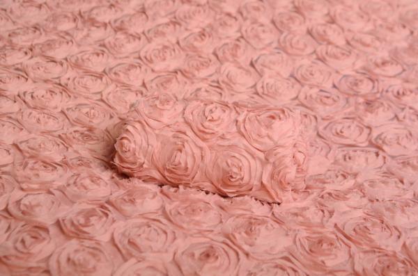 Stoff mit Blumen in staubiges Rosa